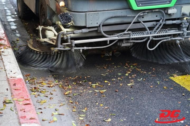 chổi xe quét đường hút bụi
