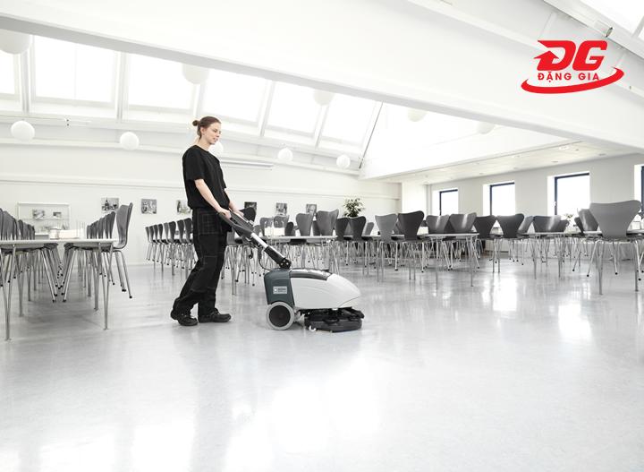 máy chà sàn liên hợp nilfisk scrubber sc351