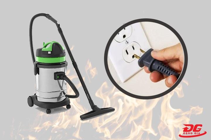 máy hút bụi bị nóng do nguồn điện