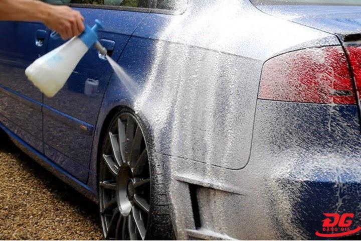 Quy trofnh rửa xe bằng dung dịch rửa xe không chạm